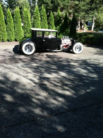 Chopped black&white 1926 Ford Model T Coupe Hot Rod