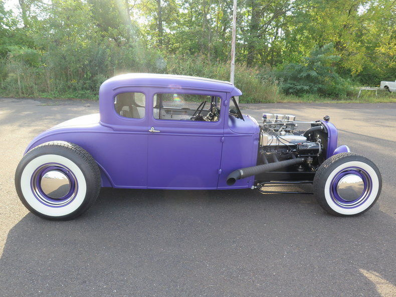 1930 Ford Model A – 5 window coupe Hot Rod
